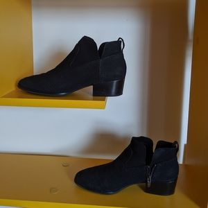 Via Spiga Tricia booties size 7.5